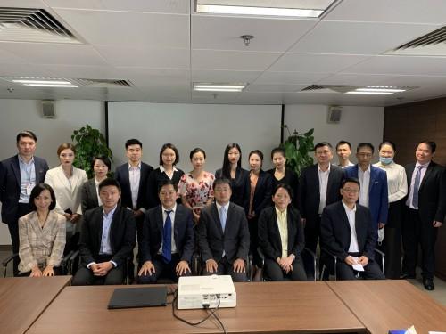 Uma delegação chefiada por Chen Hongliang, Vice-Presidente do Sub-Conselho do CCPIT Hainan visita a ...